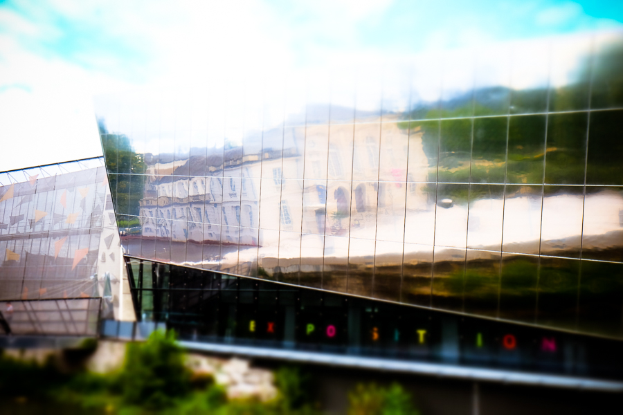 GEHRY? NON, MONTARGIS! by Carine